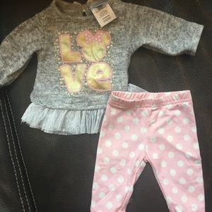 Absolutely stunning baby girl outfit with Minnie!